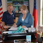 Acworth Resident Hopes to Turn the Town Teal